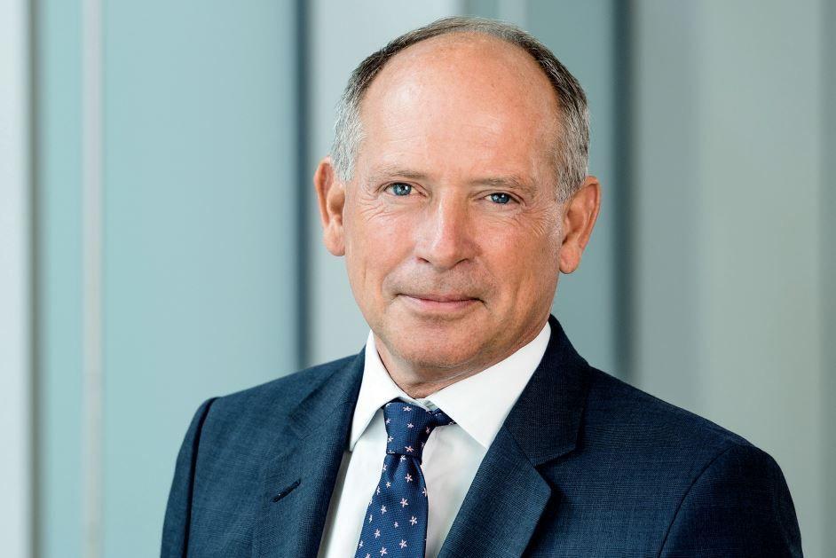 Debenhams chairman Sir Ian Cheshire voted off the board